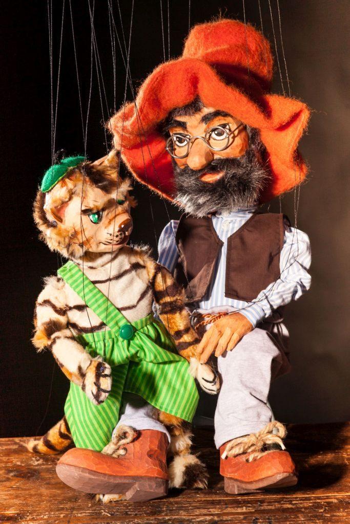 Foto Puppenspiel Pettersson und Findus